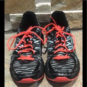 GUC ASICS running shoes